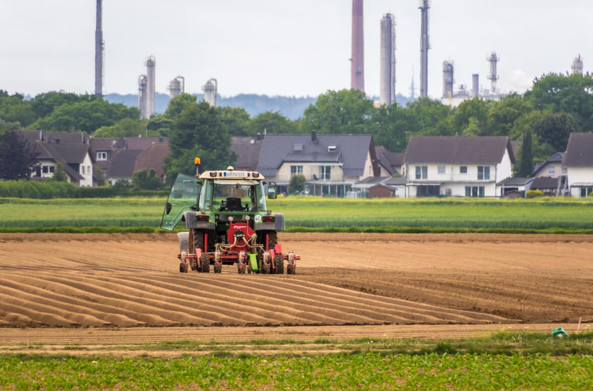 Can the agriculture industry benefit from the modern B2B model?